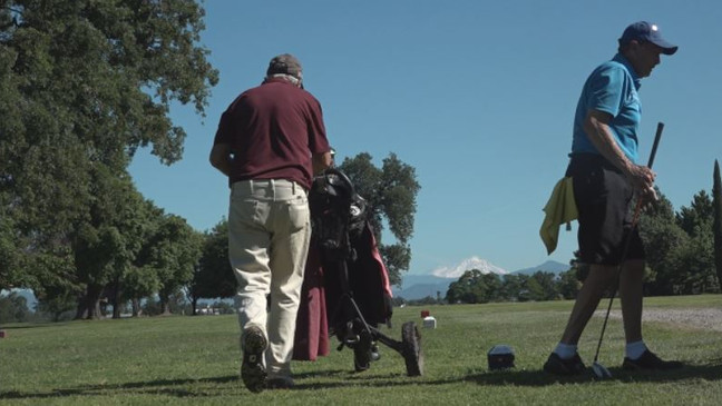 Golfers Tee Off Early To Beat The Heat Krcr